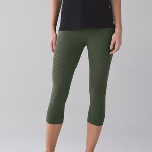 Lululemon Enlighten Crop